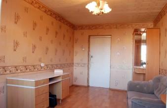 Продаётся хорошая комната 13,20 кв.м с балконом в Красногвардейском районе