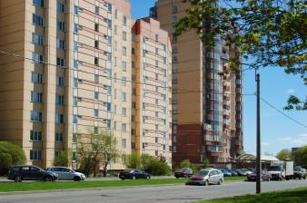 Продается трехкомнатная квартира без ремонта рядом с парком
