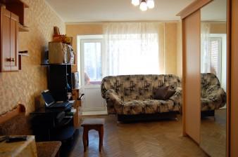 Двухкомнатная квартира 54 кв.м с лоджией в кирпичном доме в Петродворце, южная сторона