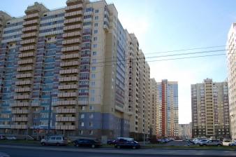 Продаётся 85 кв.м просторная и светлая 3 к.кв с огромной кухней 18 кв.м в окружении 3-х парков