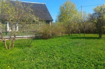 В  40 метрах от Петербурга продается участок 15 соток ИЖС с домом на берегу р.Славянки