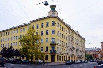 Продается 8-комнатная четырехсторонняя квартира 155 кв.м, Петроградская сторона