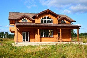 Продаётся дом из бруса 260 кв.м, у реки с выходом в Ладожское озеро, 67 км от СПб