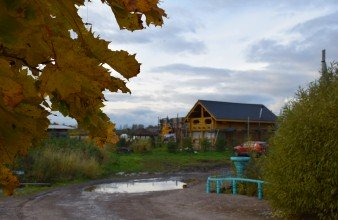 Продажа дома с участком 30 соток и коммуникациями в д.Санино, близ Петергофа