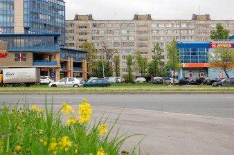 Продается 2 комнаты 33 кв.м с лоджией в 10 мин. пешком от ст.м.Пр.Большевиков
