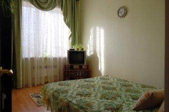 Прекрасно ухоженная, уютная двухкомнатная квартира площадью 63 кв.м в таун-хаусе